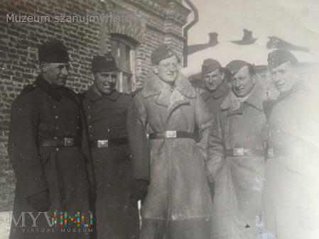 Wehrmacht w płaszczach i kożuchach