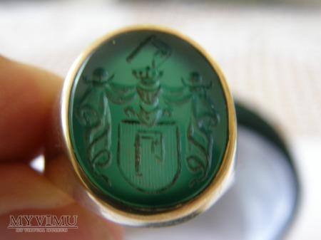 h.Topór - sygnet pieczętny złoty