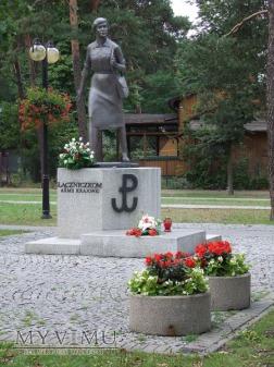 154. Pomnik Łączniczek Armii Krajowej - Józefów