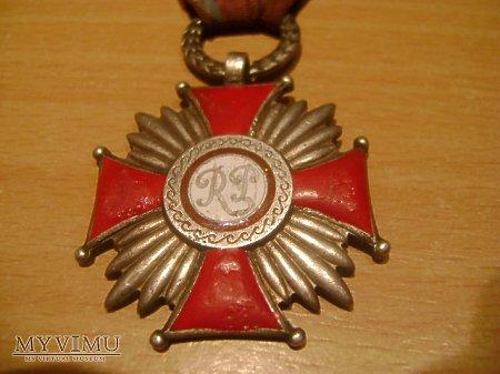 Srebrny Krzyż Załugi II RP wzór z 1923 r.
