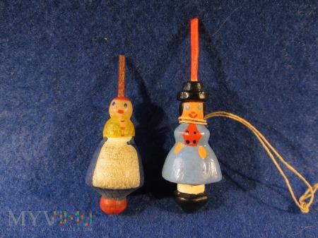 Seria: Laleczki w strojach ludowych (Holzkreisel)