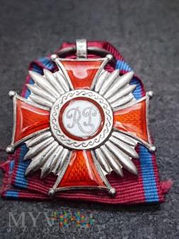 Duże zdjęcie Srebrny Krzyż Zasługi - Caritas