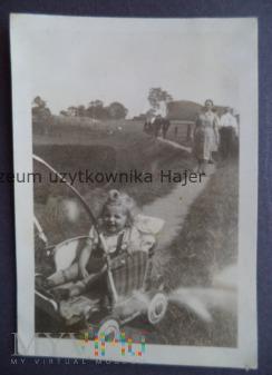 Wózek wiklinowy dziecięcy - zdjęcie