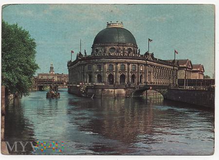 Berlin, stolica NRD.8a