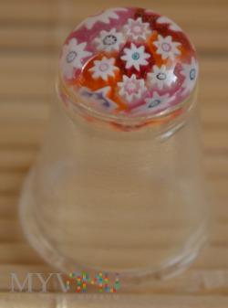 Naparstek szklany z millefiori