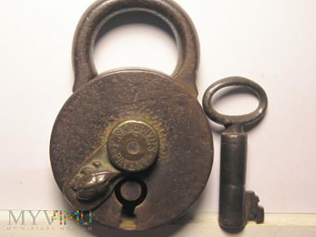 "F. Sengpiel Patent Padlock #7- Size ""B"""