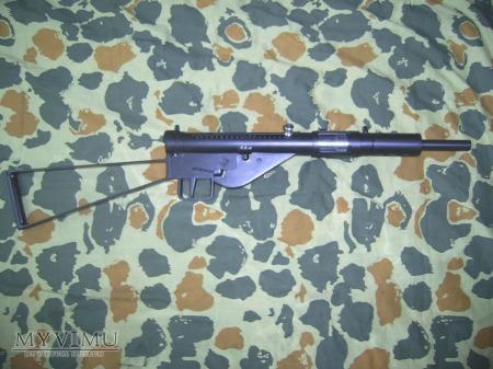 Duże zdjęcie Pistolet maszynowy typu STEN z Krakowa.