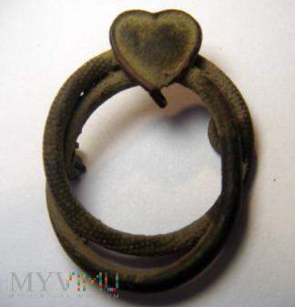 Pierścionek plecionka z sercem