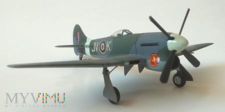 """Samolot Hawker """"Tempest"""" Mk VI (model 1/72)"""