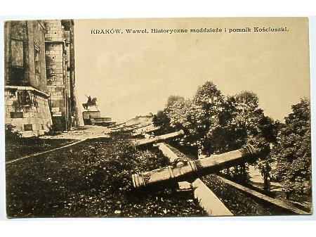Kraków Historyczne moździeże i pomnik Kościuszki