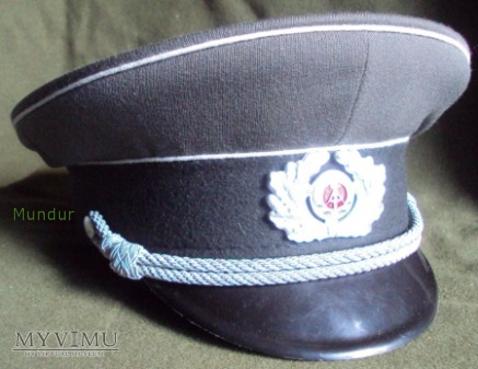 Duże zdjęcie Czapka oficera NVA DDR - Schirmmütze