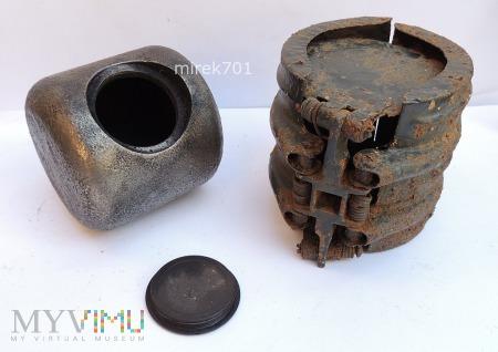 Niemiecka bomba kasetowa SD2 B