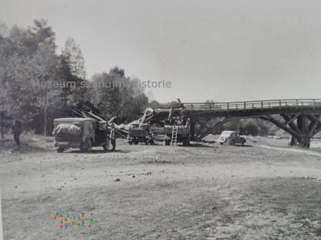 Wehrmacht naprawia most