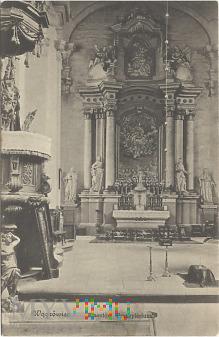 Wągrowiec - Klasztor prezbiterium