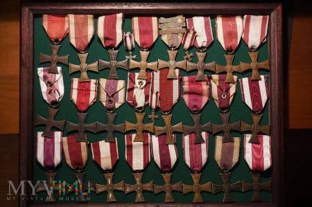 Krzyż Walecznych - kolekcja