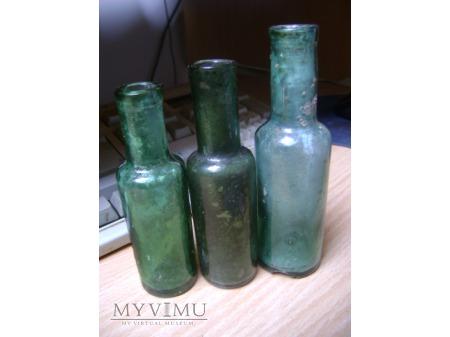 trzy buteleczki po lekach