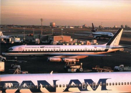 DC-8-62, N8968U