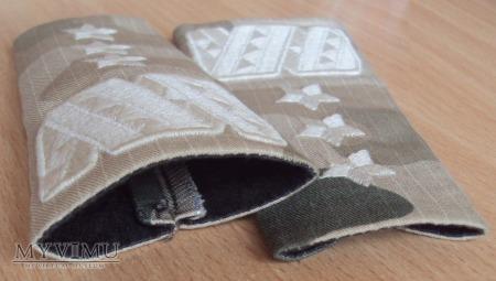 Pochewki z oznakami stopnia - generał broni