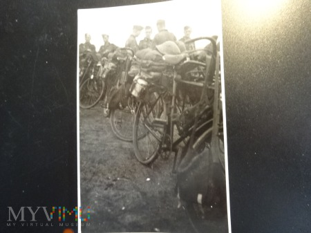 Duże zdjęcie Niemcy na rowerach - lato 1941 na Ukrainie