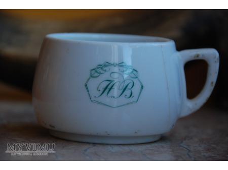 Filiżanka z monogramem HB