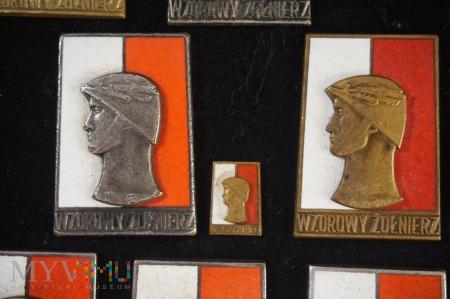 Duże zdjęcie Wzorowy Żołnierz I i II stopnia wzór 1961