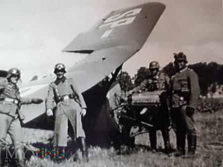Niemcy - Fotografie z albumu - Przy samolocie