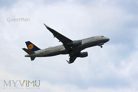 Duże zdjęcie Airbus A320-214 - D-AIZY