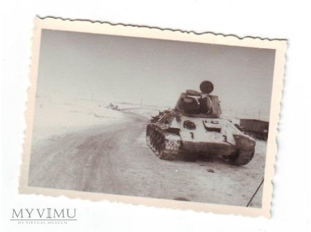 Duże zdjęcie Opuszczony T-34/76 wz.1943