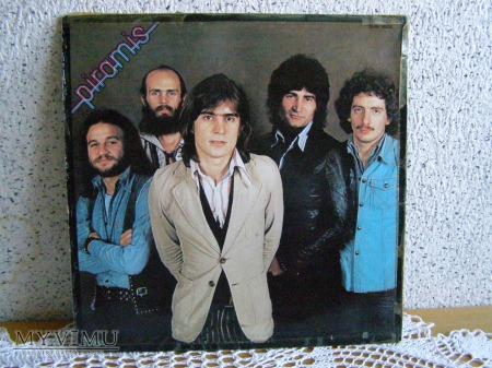 8. Piramis 1977