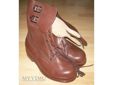 Buty podkute brązowe