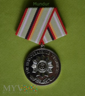 Duże zdjęcie Medal srebrny für Hervorragende Verdienste