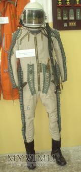 Wysokościowy ubiór kompensacyjny WUK-90