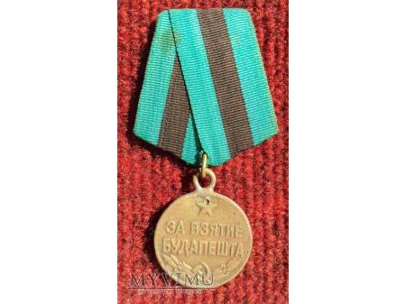 """Medal """"Za Zdobycie Budapesztu"""""""