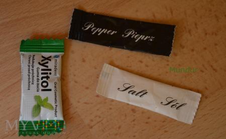 Dodatki: sól, pieprz i guma do żucia