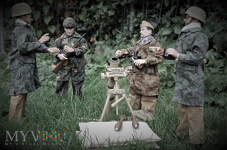 Fllschirmjagers z 4. Fallschirmjager Division.