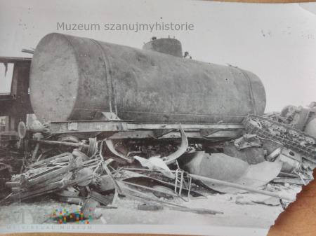 zniszczony skład kolejowy 1939