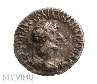 Duże zdjęcie Hadrian