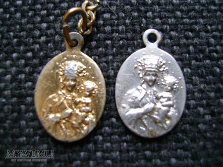 Duże zdjęcie medalik 8 i 9