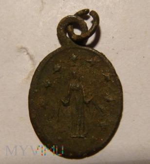 Medalik z Matką boską