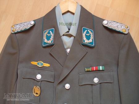 Duże zdjęcie Mundur oficera starszego lotnictwa NRD
