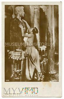 Quo Vadis - Eunice całuje posąg - ekranizacja 1924
