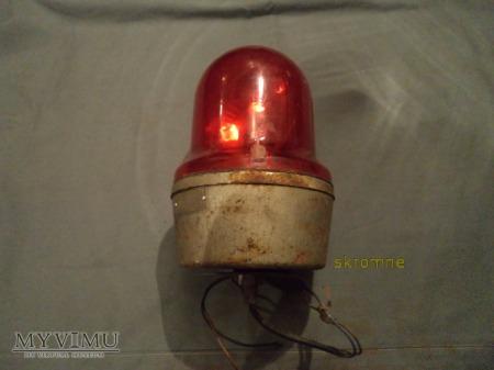 Duże zdjęcie czerwony sygnalizator błyskowy