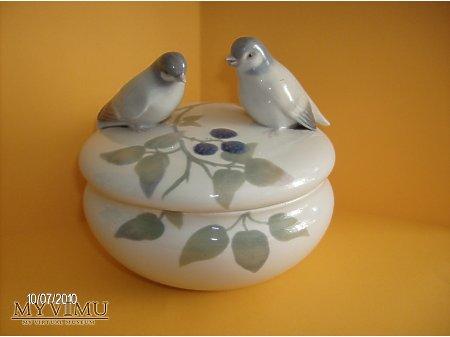 porcelanowa bombonierka