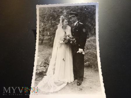 Duże zdjęcie Ślub żołnierza niemieckiego w 1950r.