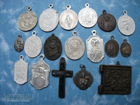 Medaliki , Szkaplerze