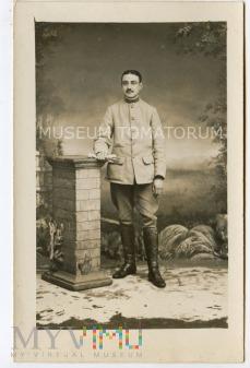 Stare zdjęcie postaci - mundurowy