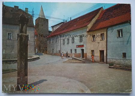 BYSTRZYCA KŁODZKA Pręgierz z 1556 r. na Małym Rynk