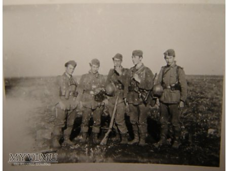 Niemieccy żołnierze-frontowcy