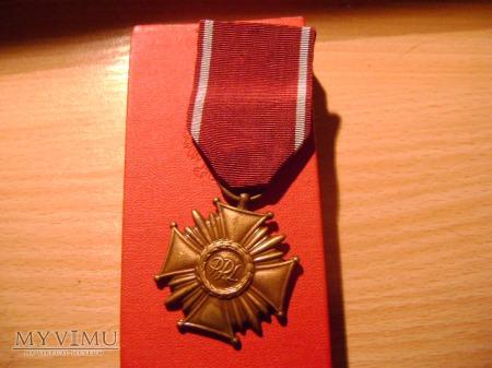 Duże zdjęcie Brązowy Krzyż Zasługi PRL