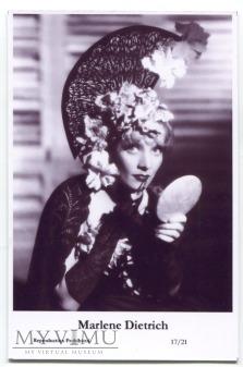 Marlene Dietrich Swiftsure Postcards 17/21